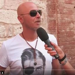 Pau dei Negrita indossa una t-shirt uomo Paul Cortese